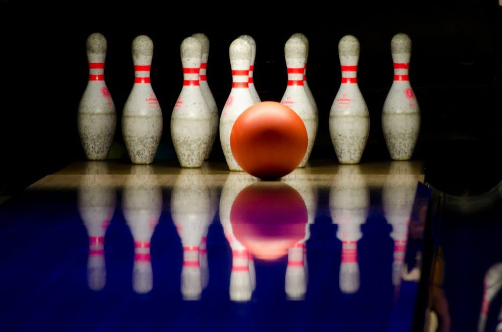 bowling, pins, ball-596766.jpg